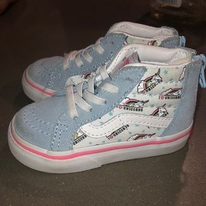 Toddler vans with unicorn on side